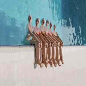 Obrázek 'Sitting-by-the-pool'