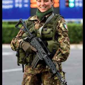Obrázek 'bachaMadarizasezbroji'