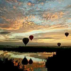 Obrázek 'balloonsatsunset'