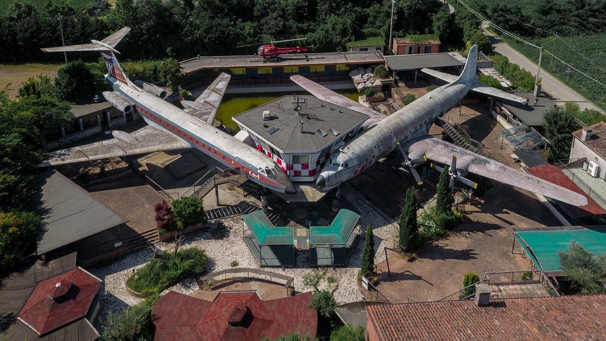 Obrázek -DC-6andaTU-145-