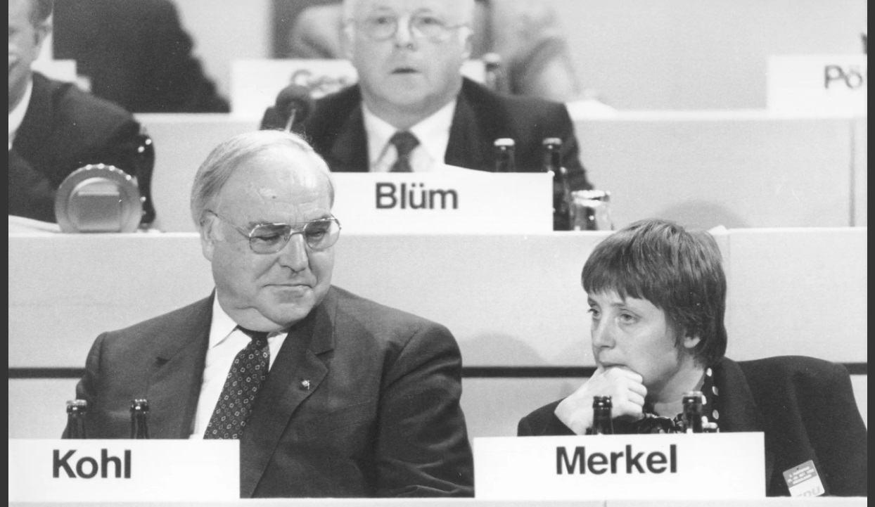 Obrázek -Merkel1990-