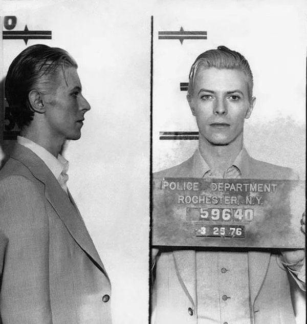 Obrázek David-Bowie-mugshot-1976