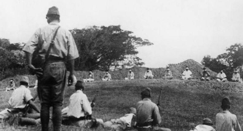 Obrázek Japanesetroopsusingprisonersofwarfortargetpractice1942