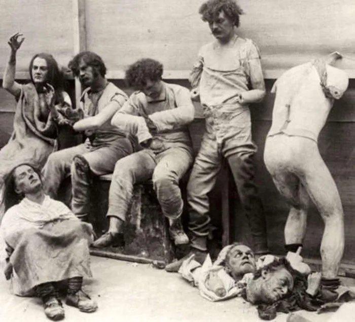 Obrázek Melted-Madame-Tussauds-mannequins