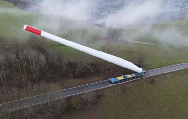 Obrázek Transportinga67meterwindturbineblade