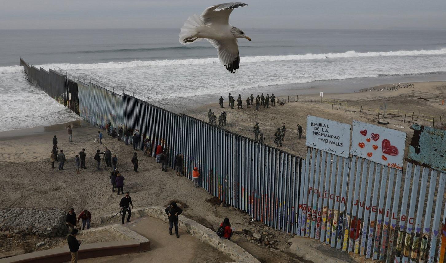 Obrázek cajkaaliasraceksaposmievaimigrantom