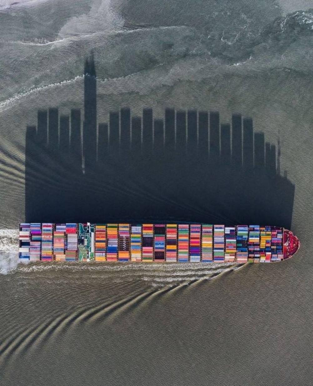 Obrázek huranasuez