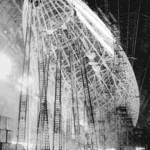 Obrázek '-Zeppelinconstruction-1935-'