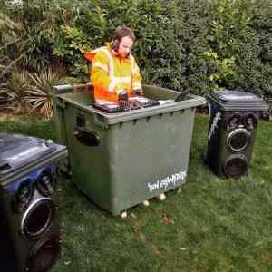 Obrázek '-garbagesoundsystem-'