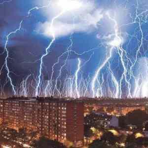 Obrázek '2-hours-of-lightning-in-Croatia'