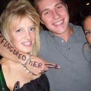 Obrázek 'FingeredHer'