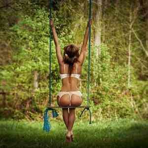 Obrázek 'SwingingGirl'