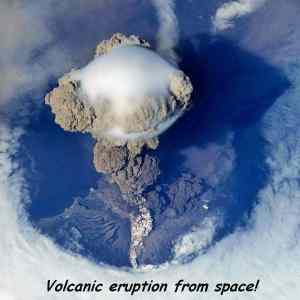 Obrázek 'VolcanicEruption-Space'