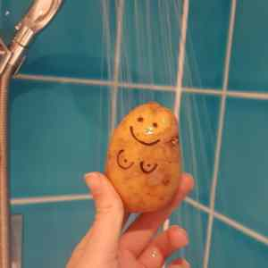 Obrázek 'When a guy asks you for nudes but you are a potato'