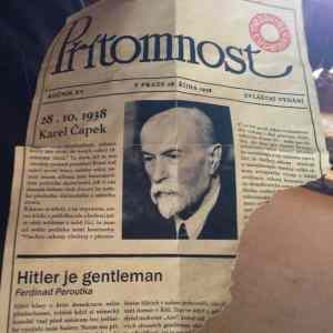 Obrázek 'hitlerjegentlemansenasel'