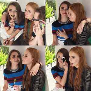 Obrázek 'maisie williams and sophie turner'