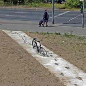 Obrázek 'pomnikspechajicimcyklistum'