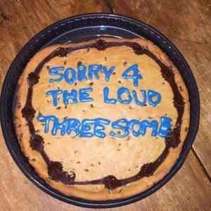 Obrázek 'threesome-sorry'